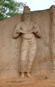 Statue_of_Parakramabahu_in_Polonnaruwa